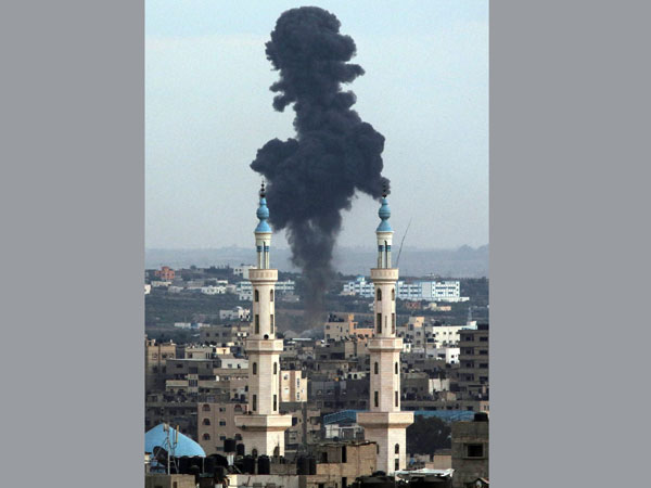 Israel warns Gaza of ground offensive