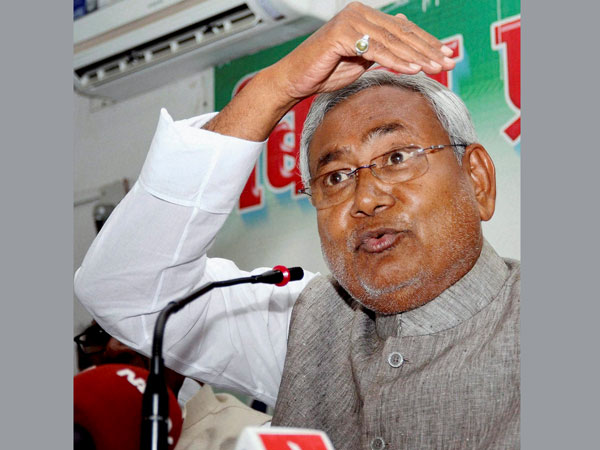 Nitish hits out at BJP over Bihar