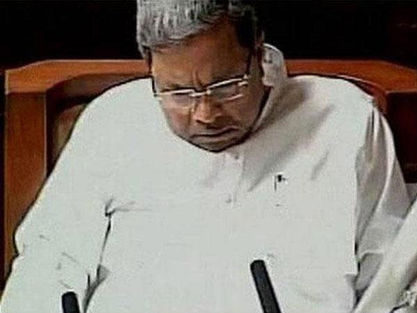 Siddaramaiah dozes off during debate