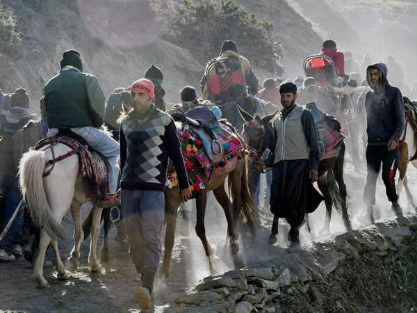 Inputs suggest threat of terror attacks on Amarnath yatra:Govt