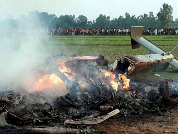 IAF chopper crashes in UP, 7 die
