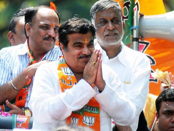 No probe in reported bugging at Gadkari home: Minister