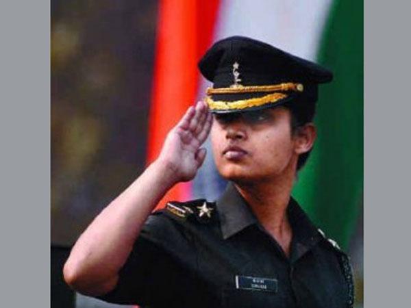 Army: Women may lead battalions