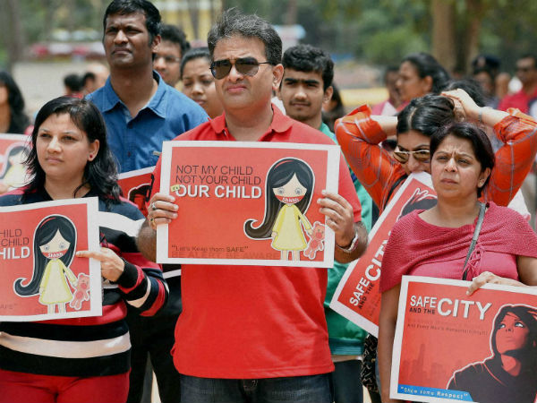 Protest against rape of six-year-old school girl in Bangalore