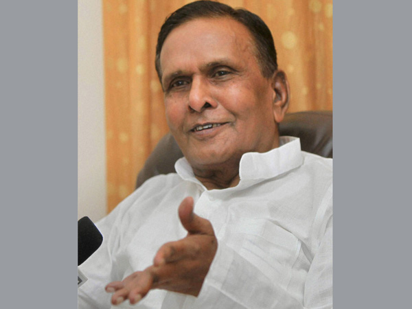 Beni Prasad hits out at Cong leaders