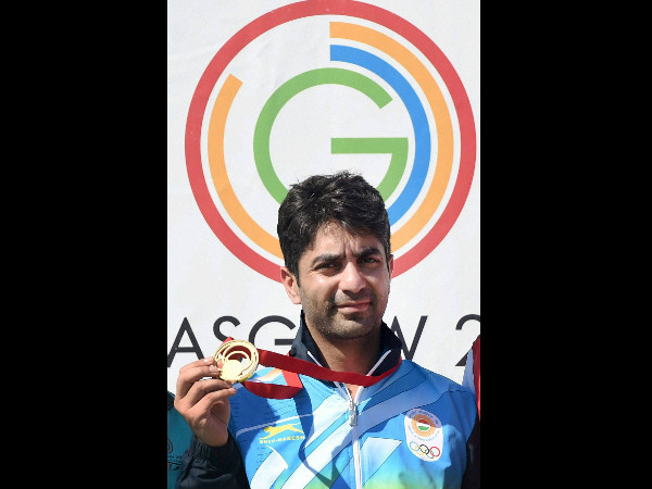 Abhinav Bindra with his gold medal