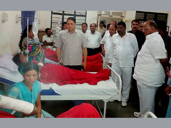 NCP chief Sharad Pawar meets injured villagers