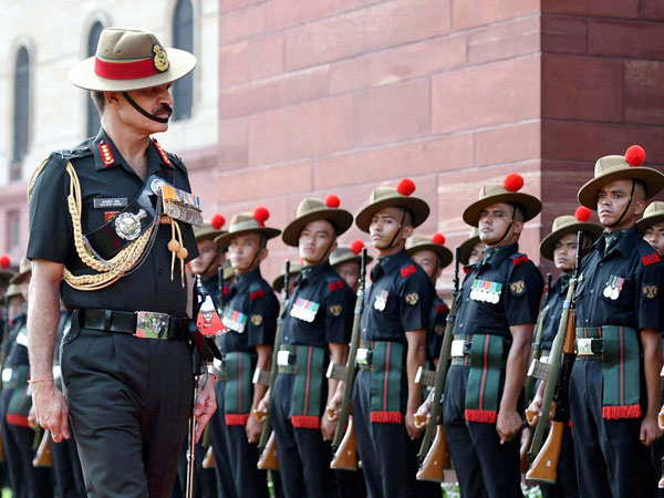 New Army Chief General Dalbir Singh Suhag inspecting guard of honour