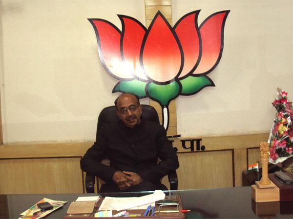 Stop Bihar, UP migration: Vijay Goel