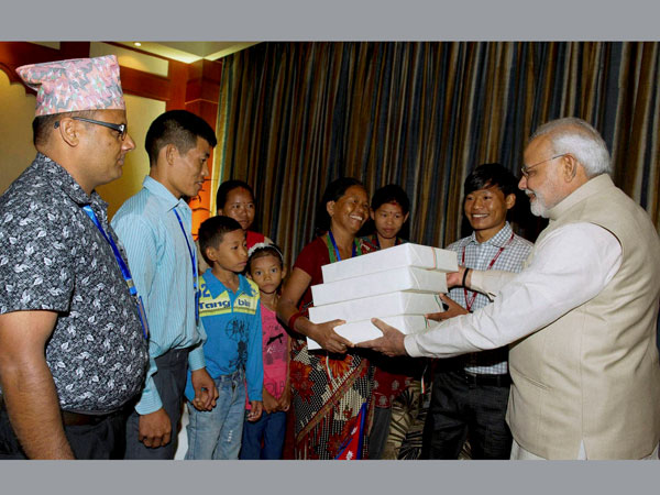 PM Modi with the family of Jeet Bahadur