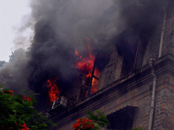 1 killed, 30 injured in Navi Mumbai hotel fire