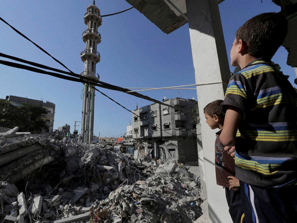 Israeli troops attack mosque in Gaza