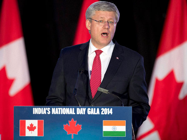 Harper speaks at India National Day Gala