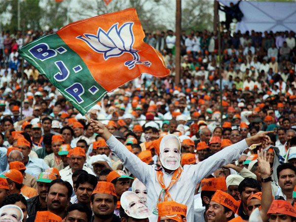 Modi wave not enough for BJP in Bengal