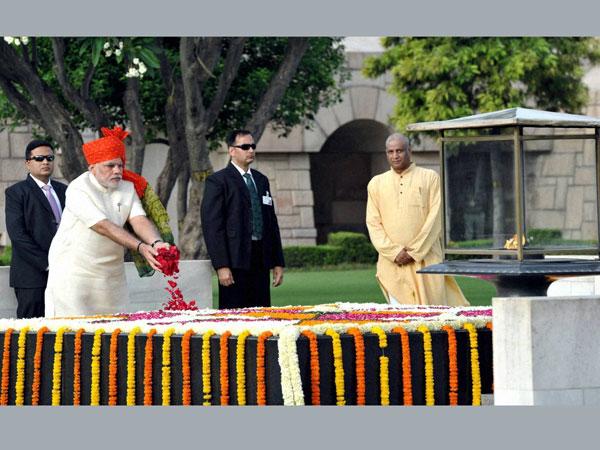 Modi pays homage to the Mahatma