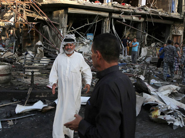 US steps up air strikes in Iraq