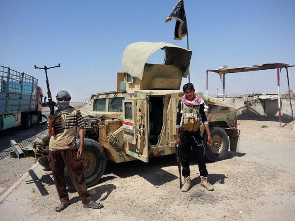 US destroys armed vehicles of militants