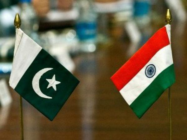 India-Pakistan flags