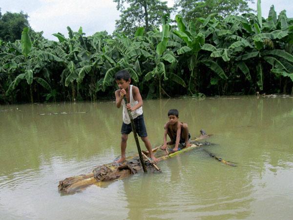 Flood situation grim in UP, Bihar