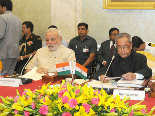 President Pranab Mukherjee and PM Narendra Modi at a conference of Chairmen, Board of Governors and Directors of IIT in New Delhi. (PTI)