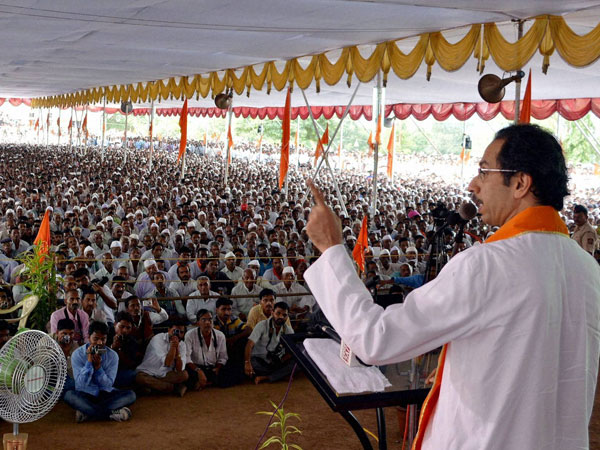 Uddhav: Modi not responsible for booing