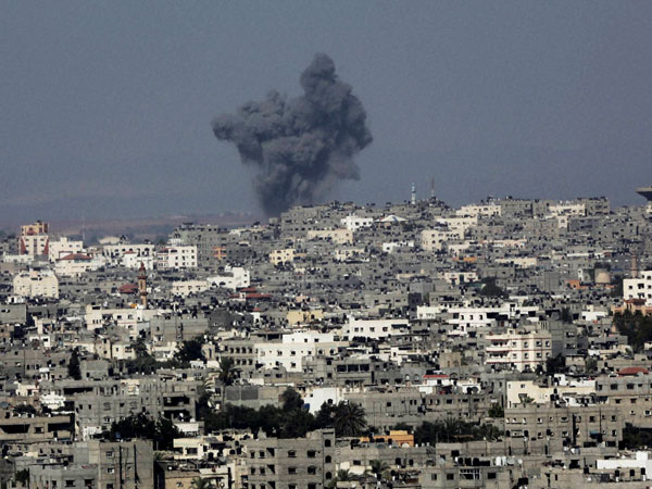 Israel and Gaza resume cross border attacks