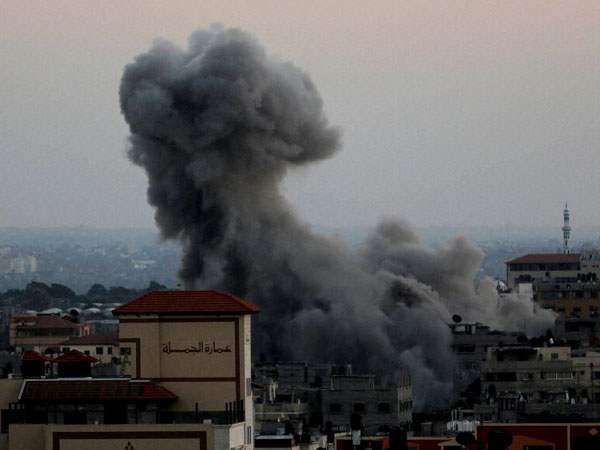 Israel continue air strikes in Gaza