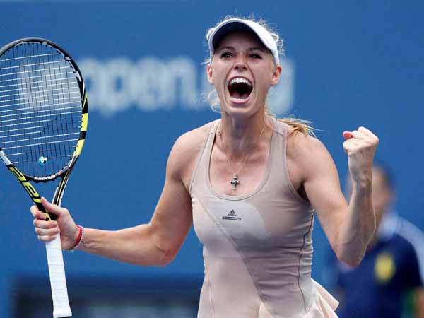 Caroline defeats Sharapova