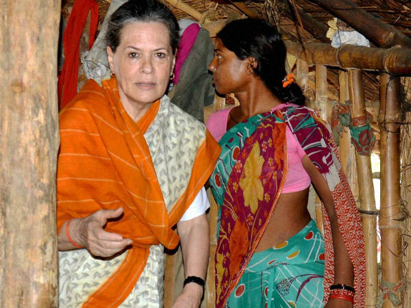 Sonia Gandhi addresses issues at her constituency