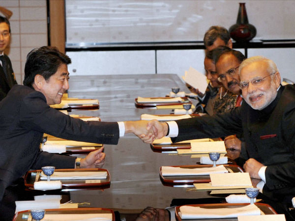 Modi takes Japan by surprise, plays traditional drums