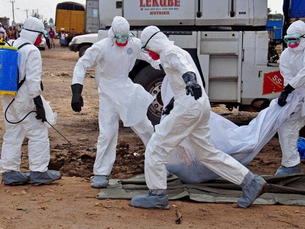 Ebola: Liberian nurses go on strike