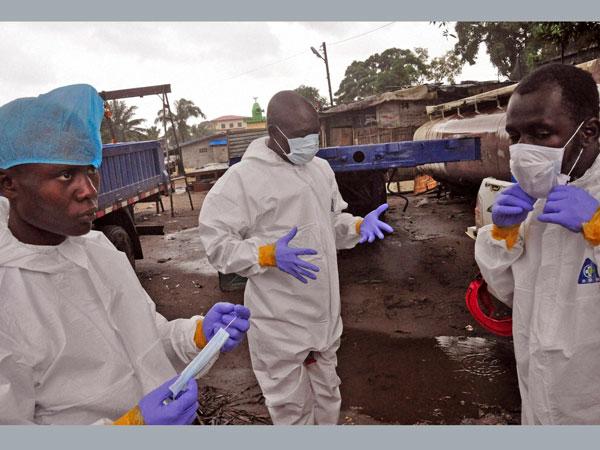 'World failing to meet Ebola challenge'