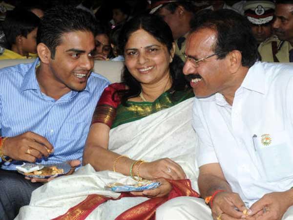 Sadananda Gowda with family
