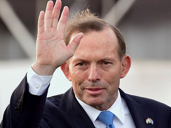 Tony Abbot receives guard of honour