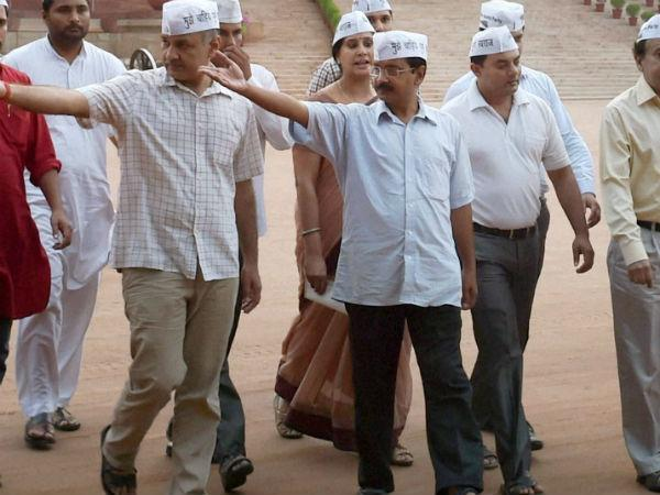 BJP rubbishes AAP's poaching allegation