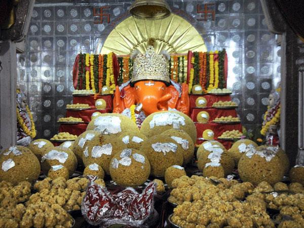 Ganesh Chaturthi ends in Mumbai