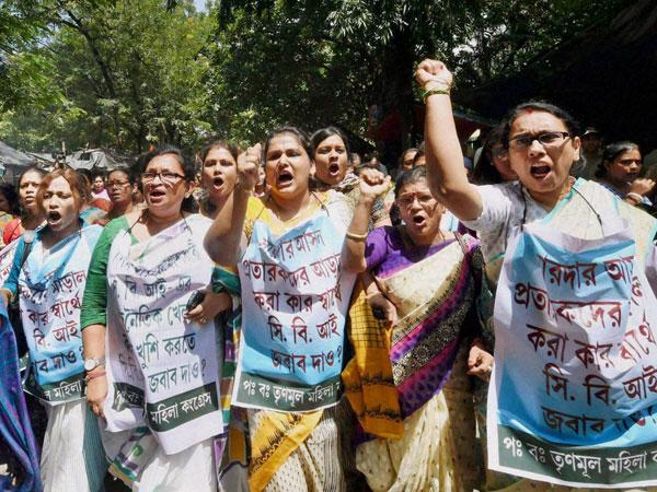 Women TMC members protest against CBI