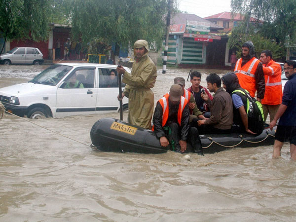 AMU sends medical relief team to J-K