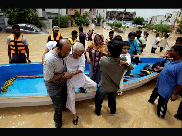 Floods: Health emergency in Pakistan