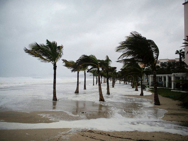 Odile makes landfall in Baja