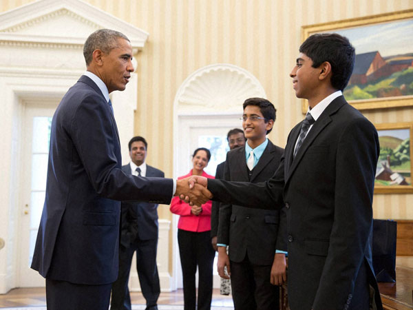 Obama meets winners of Spelling Bee