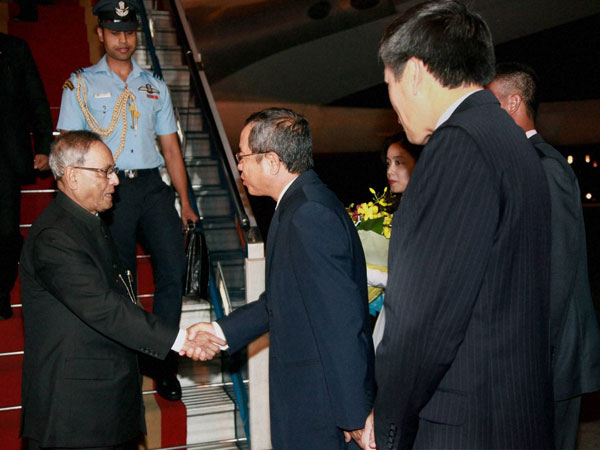 President arrives in Ho Chi Minh City