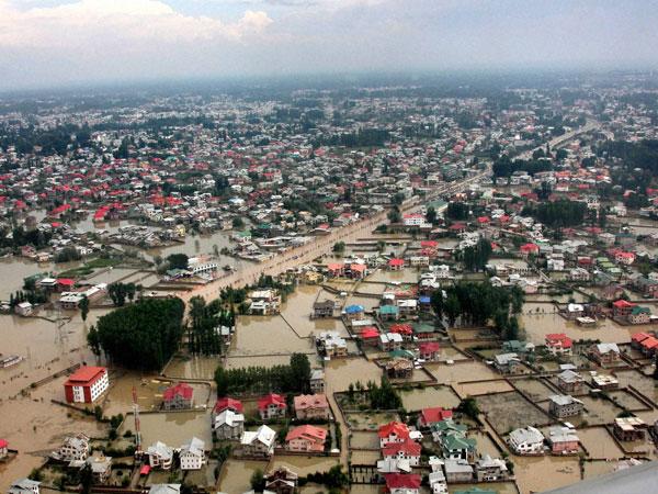 Srinagar infra runs risk of collapse