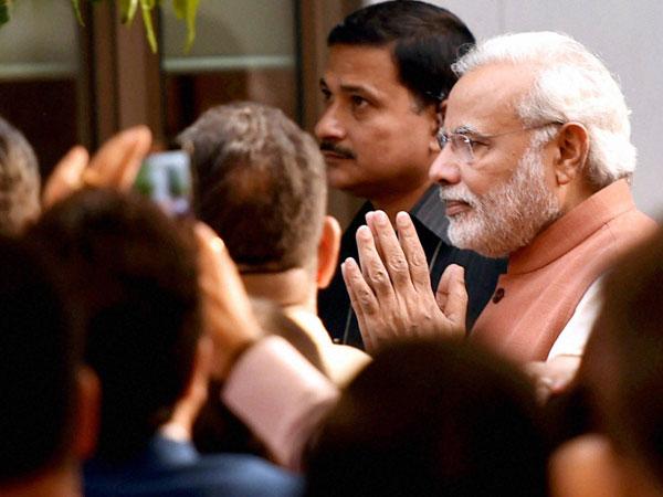 Modi launches Swavalamban programme