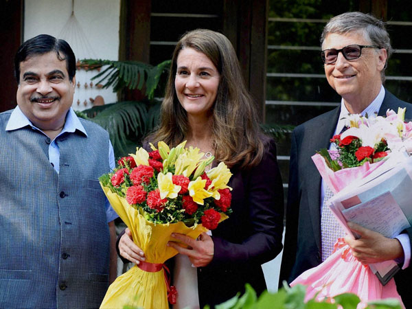Union Transport Minister Nitin Gadkari with Bill Gates and Melinda Gates