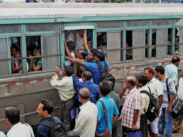 Kolkata taxis' strike continues