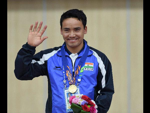 Jitu Rai with his gold medal in Incheon
