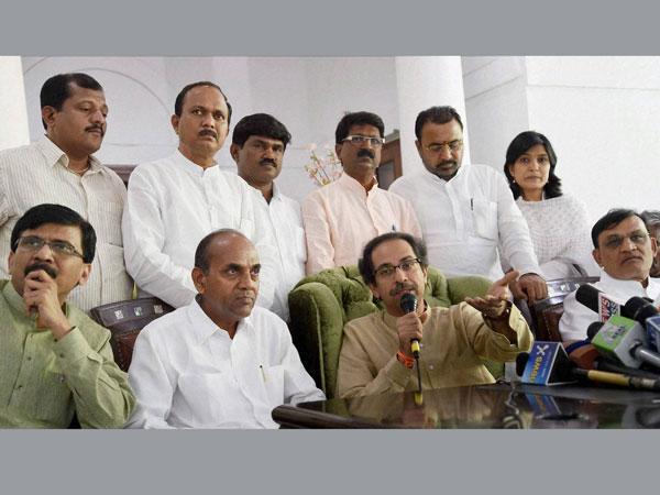 Maha: BJP-Sena deadlock continues