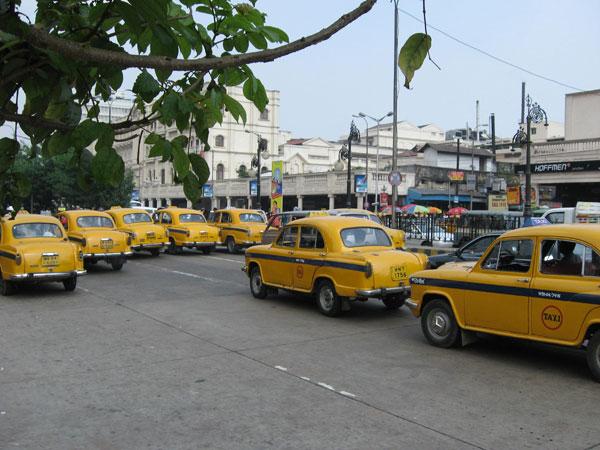 Taxi stir deflates Puja shopping spirit