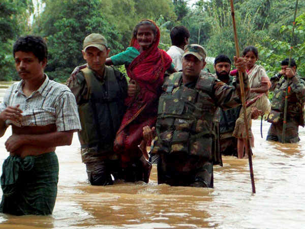 Army jawans rescue flood-affected people at Chaigaon